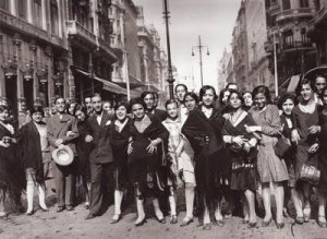 Manifestación de las modistillas pidiendo novio a San Antonio de la Florida, 1933.