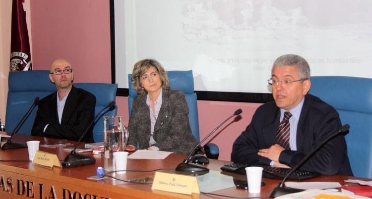 Federico Ayala, Manuel Salamanca y Rosa Ariza durante las Jornadas Fadoc. ©Maria Olivera