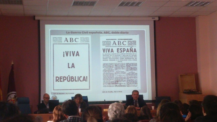 Portadas de ABC en zona republicana y nacional ©Isabel Borruel