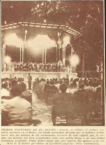 Fotografía de concierto de la Banda Municipal dirigido por el maestro Arámbarri.