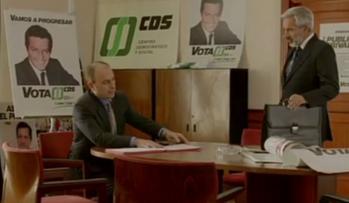 En esta imagen vemos los carteles de la campaña electoral del CDS de 1982