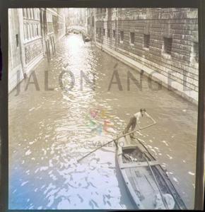 Fotografía de un canel de Venecia tomada por Jalón Ángel.