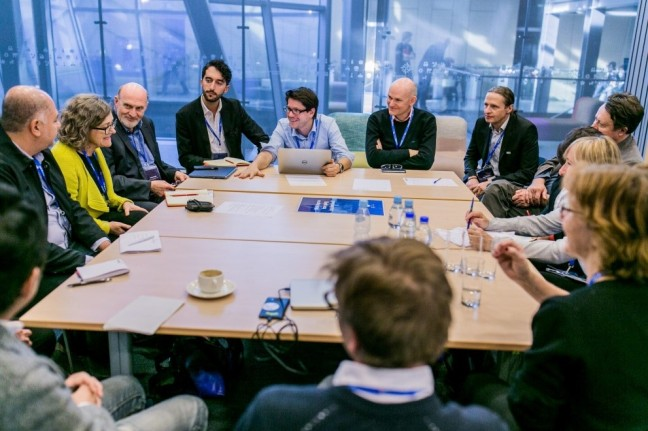Discussion table at the 2016 FIAT/IFTA World Conference in Warsaw, Poland – foto: Marcin Oliva Soto